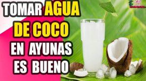 para que sirve el agua de coco en ayunas